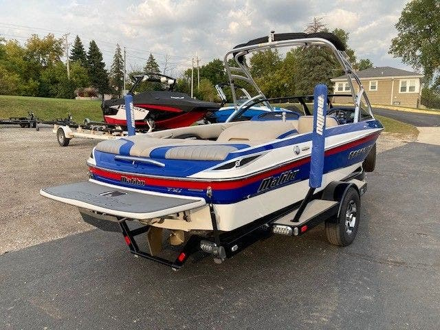 2016 Malibu boat for sale, model of the boat is 20 RESPONSE TXI & Image # 3 of 11
