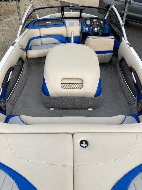 2016 Malibu boat for sale, model of the boat is 20 RESPONSE TXI & Image # 6 of 11