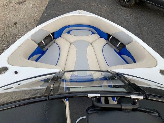 2016 Malibu boat for sale, model of the boat is 20 RESPONSE TXI & Image # 7 of 11