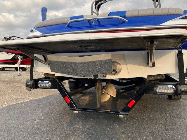 2016 Malibu boat for sale, model of the boat is 20 RESPONSE TXI & Image # 11 of 11