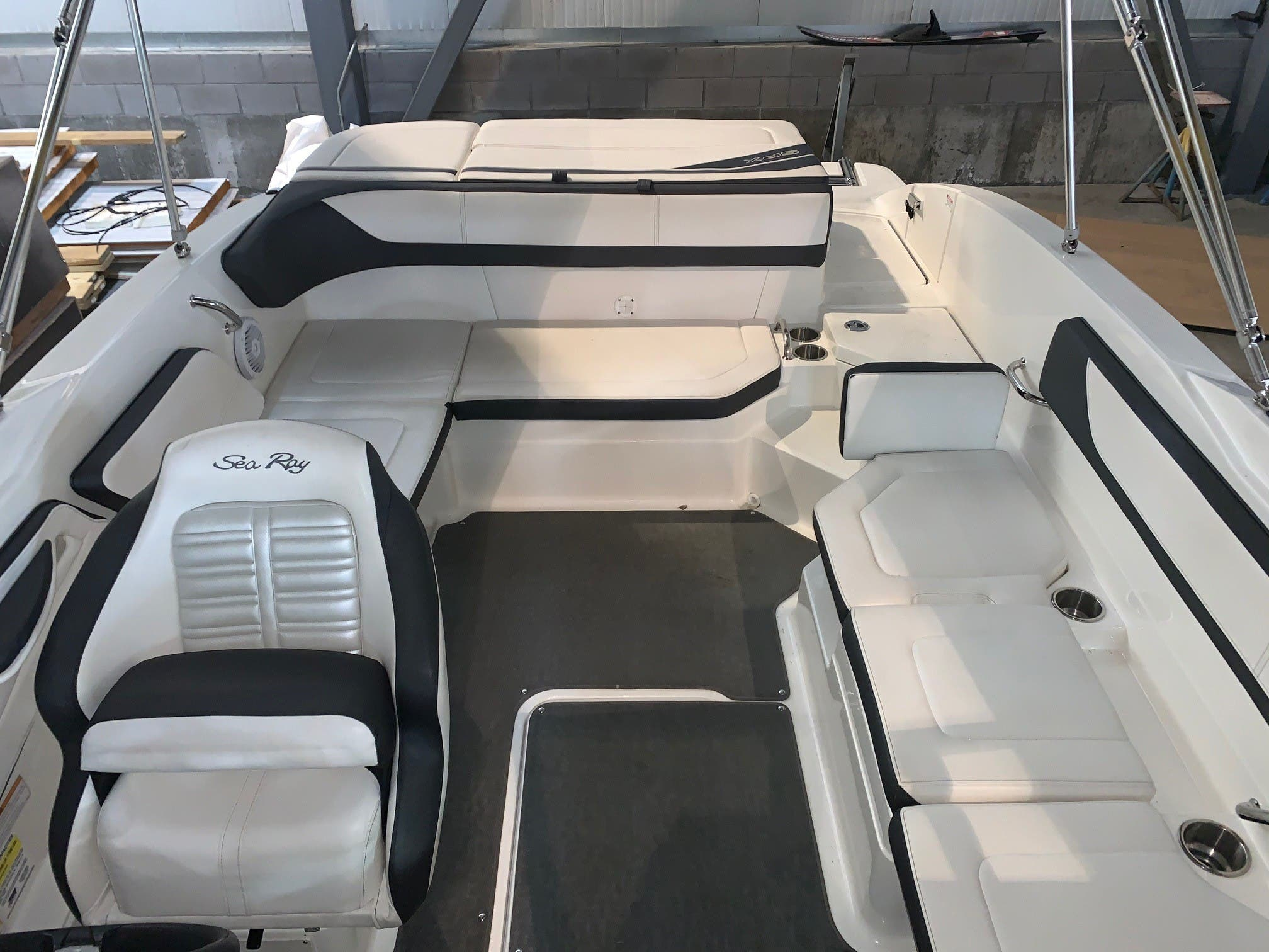 2016 Sea Ray boat for sale, model of the boat is 210spx & Image # 4 of 8