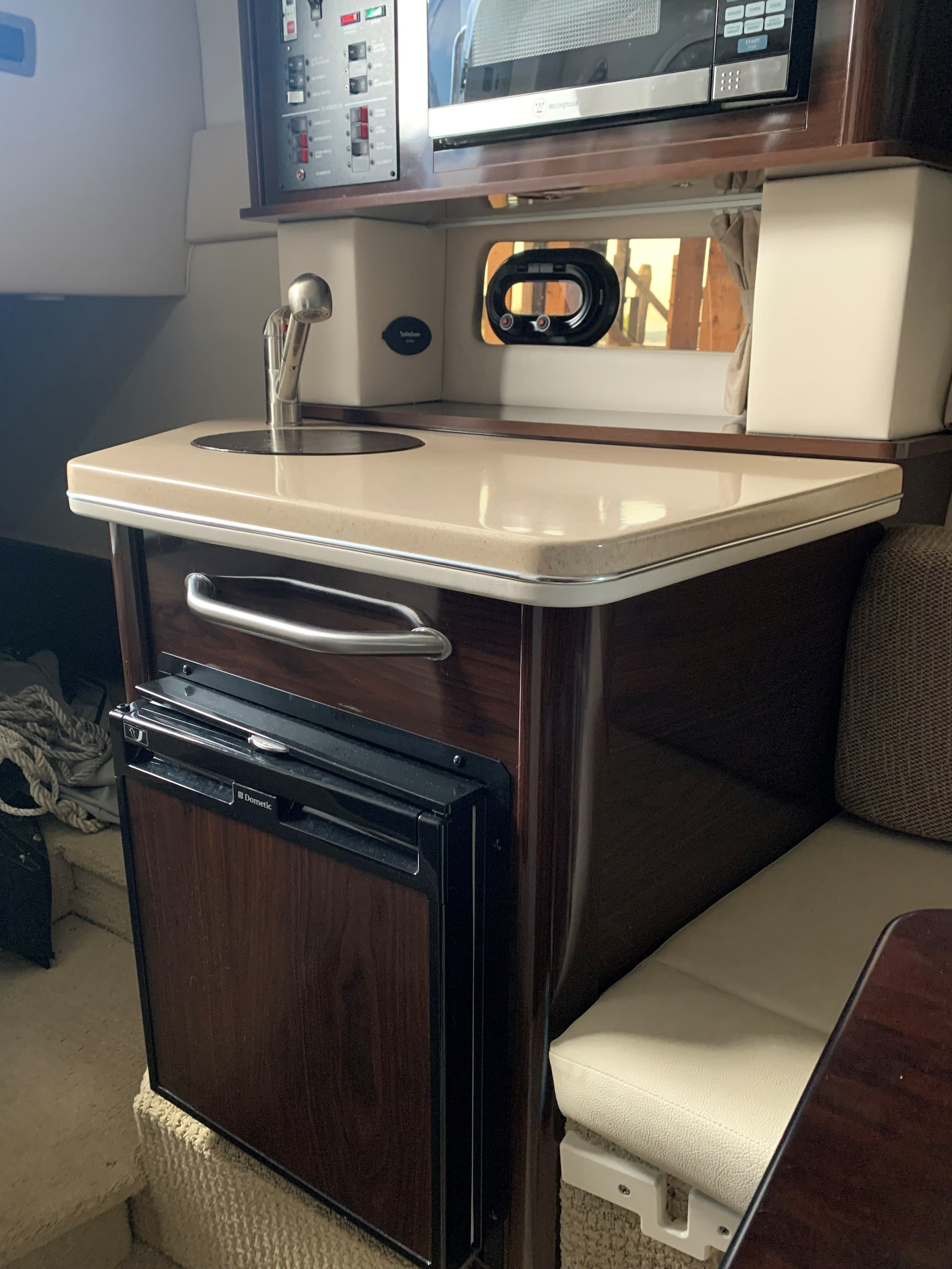 2016 Sea Ray boat for sale, model of the boat is 260 SUNDANCER & Image # 6 of 9