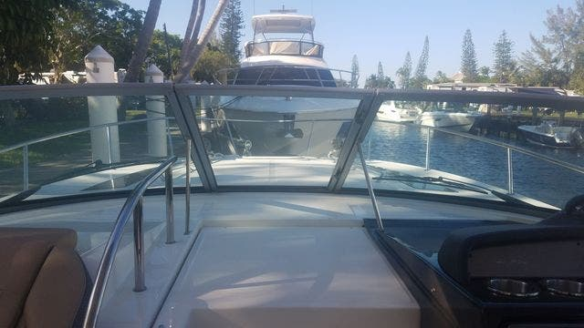 2016 Sea Ray boat for sale, model of the boat is 350 SUNDANCER & Image # 13 of 75
