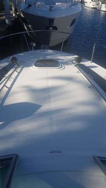 2016 Sea Ray boat for sale, model of the boat is 350 SUNDANCER & Image # 15 of 75