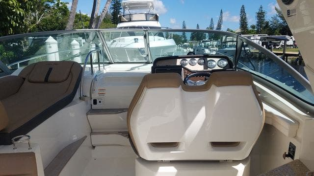 2016 Sea Ray boat for sale, model of the boat is 350 SUNDANCER & Image # 16 of 75