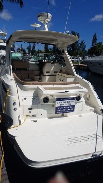 2016 Sea Ray boat for sale, model of the boat is 350 SUNDANCER & Image # 24 of 75