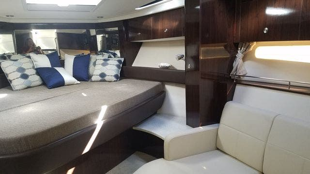 2016 Sea Ray boat for sale, model of the boat is 350 SUNDANCER & Image # 26 of 75