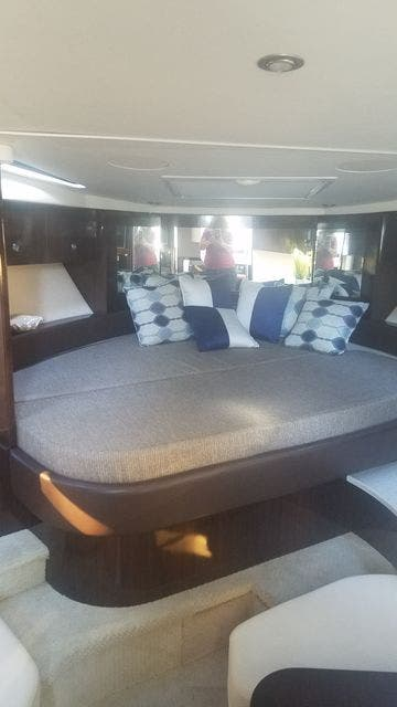 2016 Sea Ray boat for sale, model of the boat is 350 SUNDANCER & Image # 28 of 75