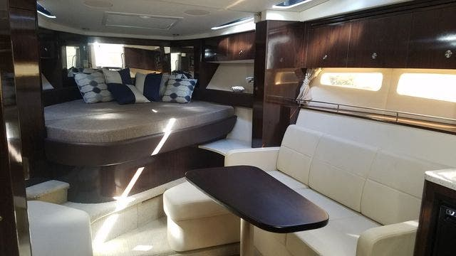 2016 Sea Ray boat for sale, model of the boat is 350 SUNDANCER & Image # 32 of 75