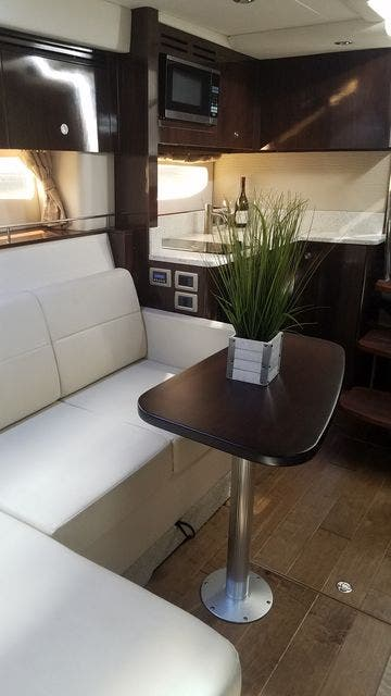 2016 Sea Ray boat for sale, model of the boat is 350 SUNDANCER & Image # 44 of 75