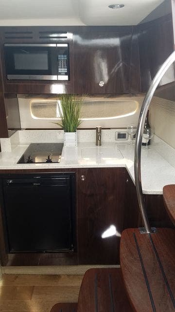 2016 Sea Ray boat for sale, model of the boat is 350 SUNDANCER & Image # 45 of 75