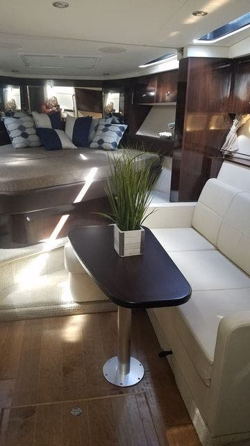 2016 Sea Ray boat for sale, model of the boat is 350 SUNDANCER & Image # 47 of 75