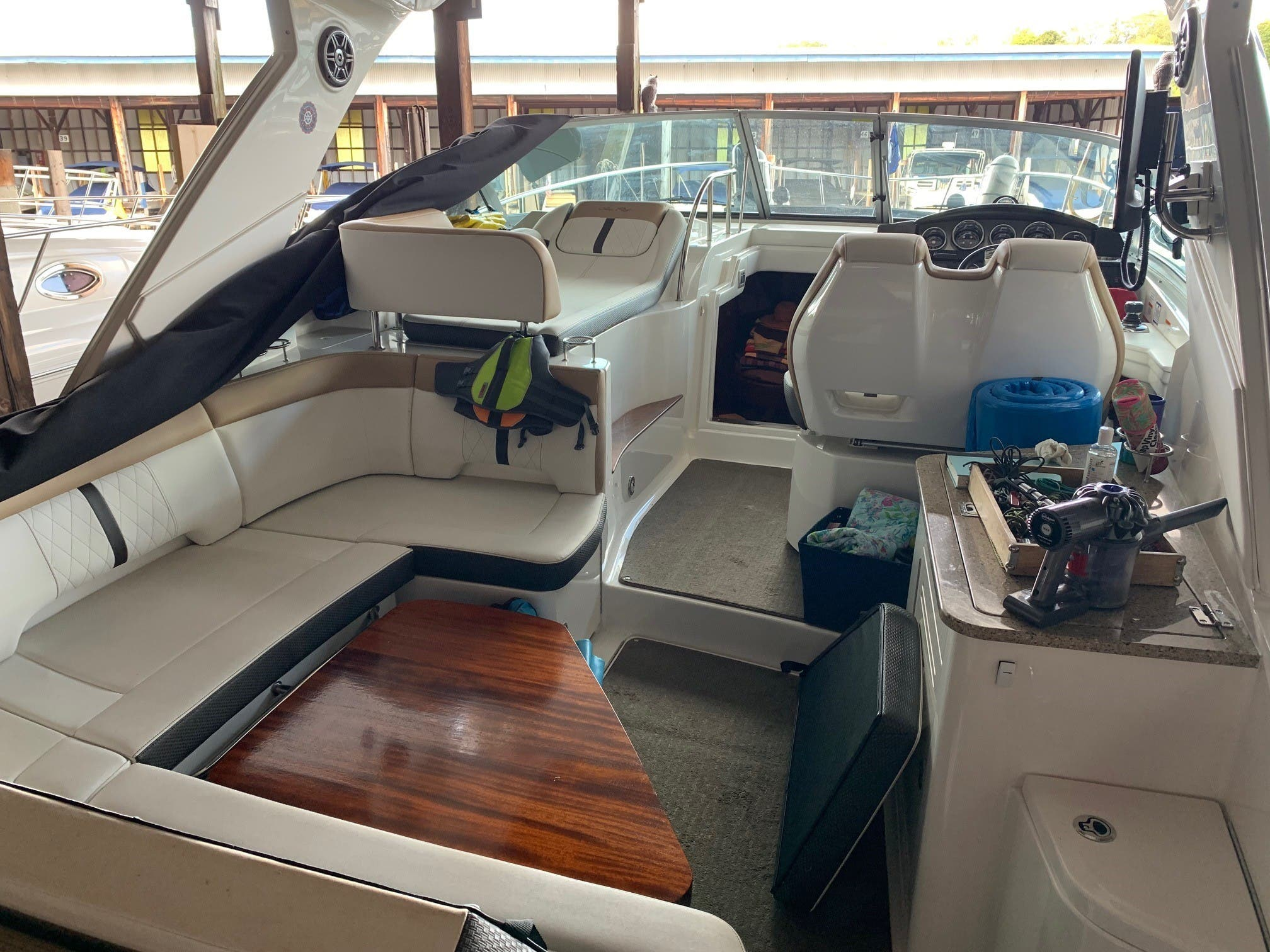 2016 Sea Ray boat for sale, model of the boat is 350 Sundancer & Image # 4 of 17