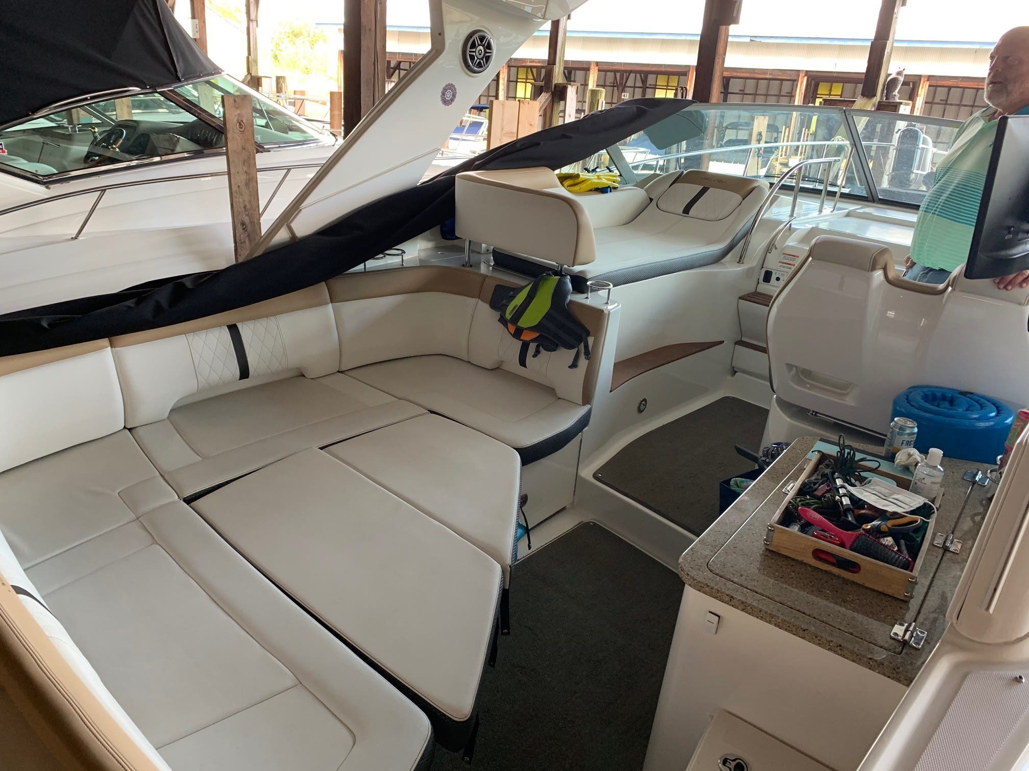 2016 Sea Ray boat for sale, model of the boat is 350 Sundancer & Image # 15 of 17