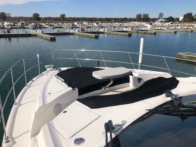 2016 Sea Ray boat for sale, model of the boat is L650 EXPRESS & Image # 9 of 67