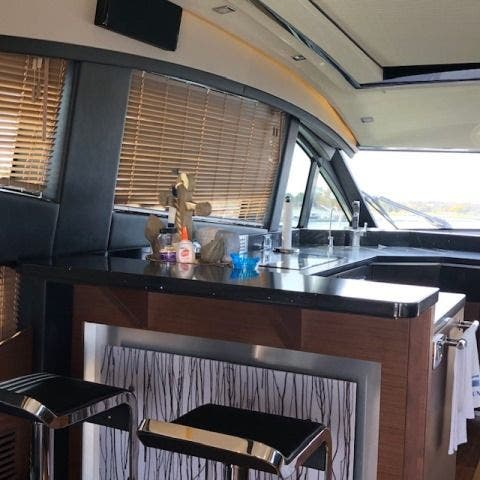 2016 Sea Ray boat for sale, model of the boat is L650 EXPRESS & Image # 27 of 67
