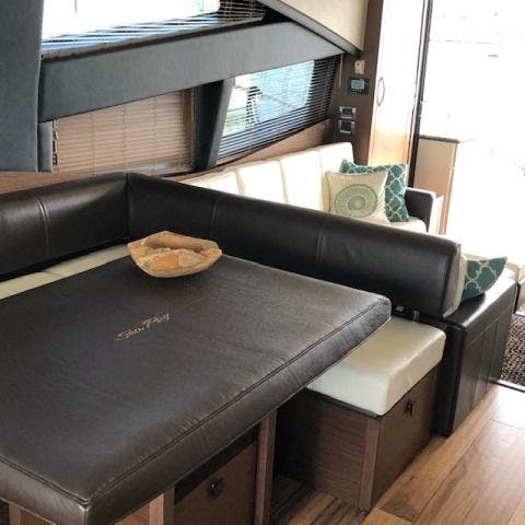 2016 Sea Ray boat for sale, model of the boat is L650 EXPRESS & Image # 32 of 67