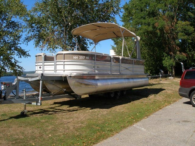 2017 Berkshire Pontoons boat for sale, model of the boat is 24CL CTS & Image # 3 of 11