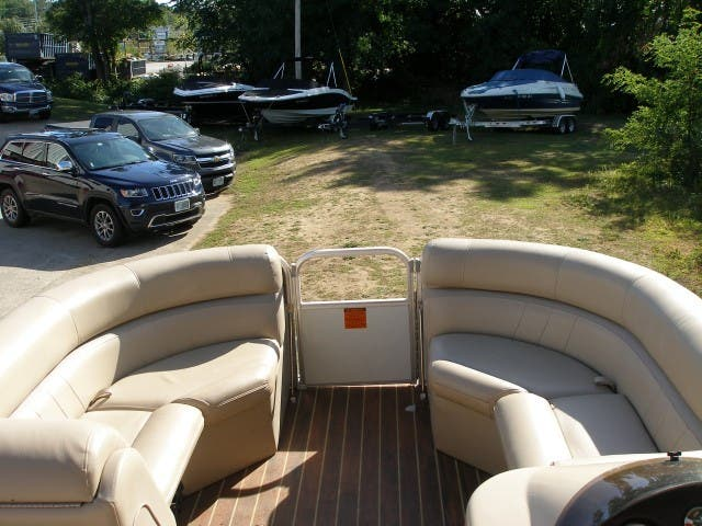 2017 Berkshire Pontoons boat for sale, model of the boat is 24CL CTS & Image # 5 of 11