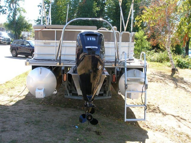 2017 Berkshire Pontoons boat for sale, model of the boat is 24CL CTS & Image # 10 of 11
