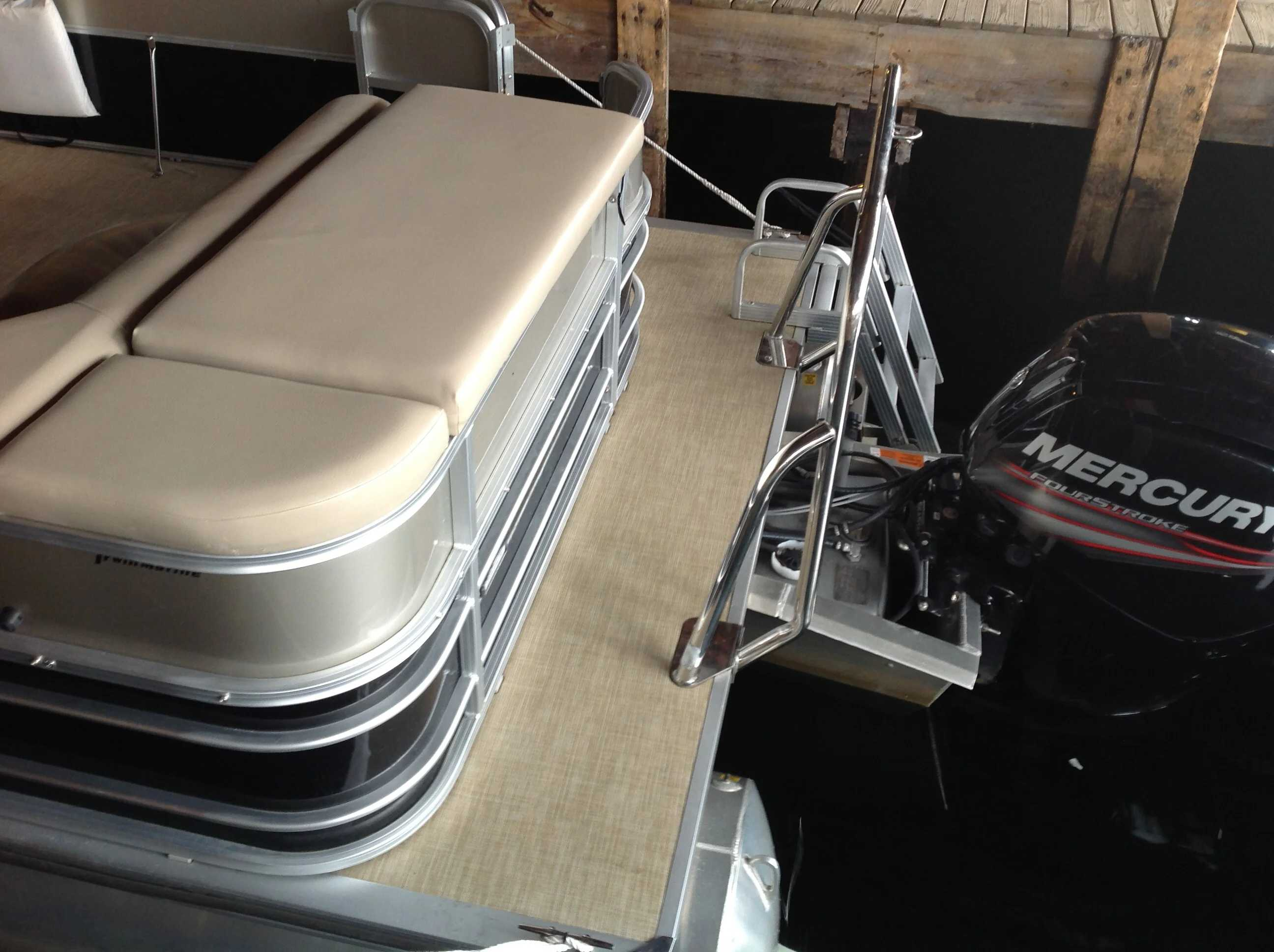 2017 Berkshire Pontoons boat for sale, model of the boat is 24cl Cts 2.75 & Image # 9 of 9