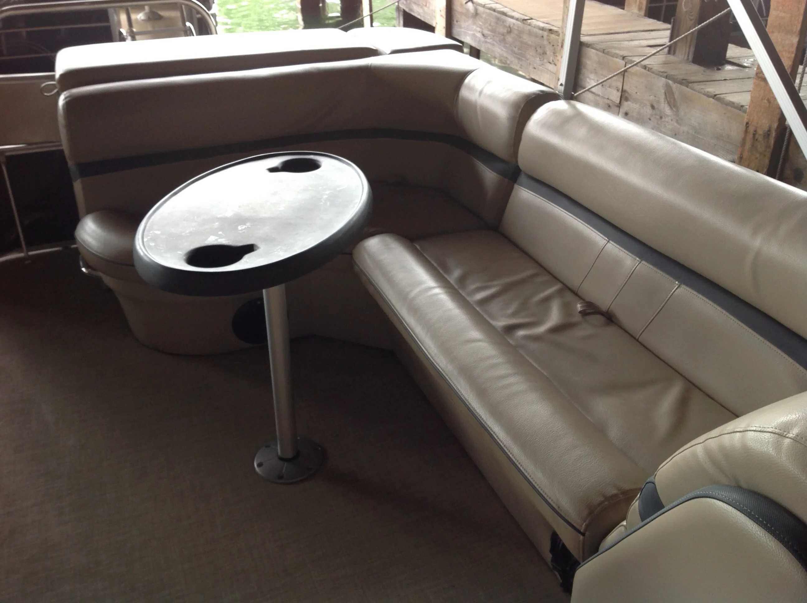 2017 Berkshire Pontoons boat for sale, model of the boat is 24cl Cts 2.75 & Image # 6 of 9