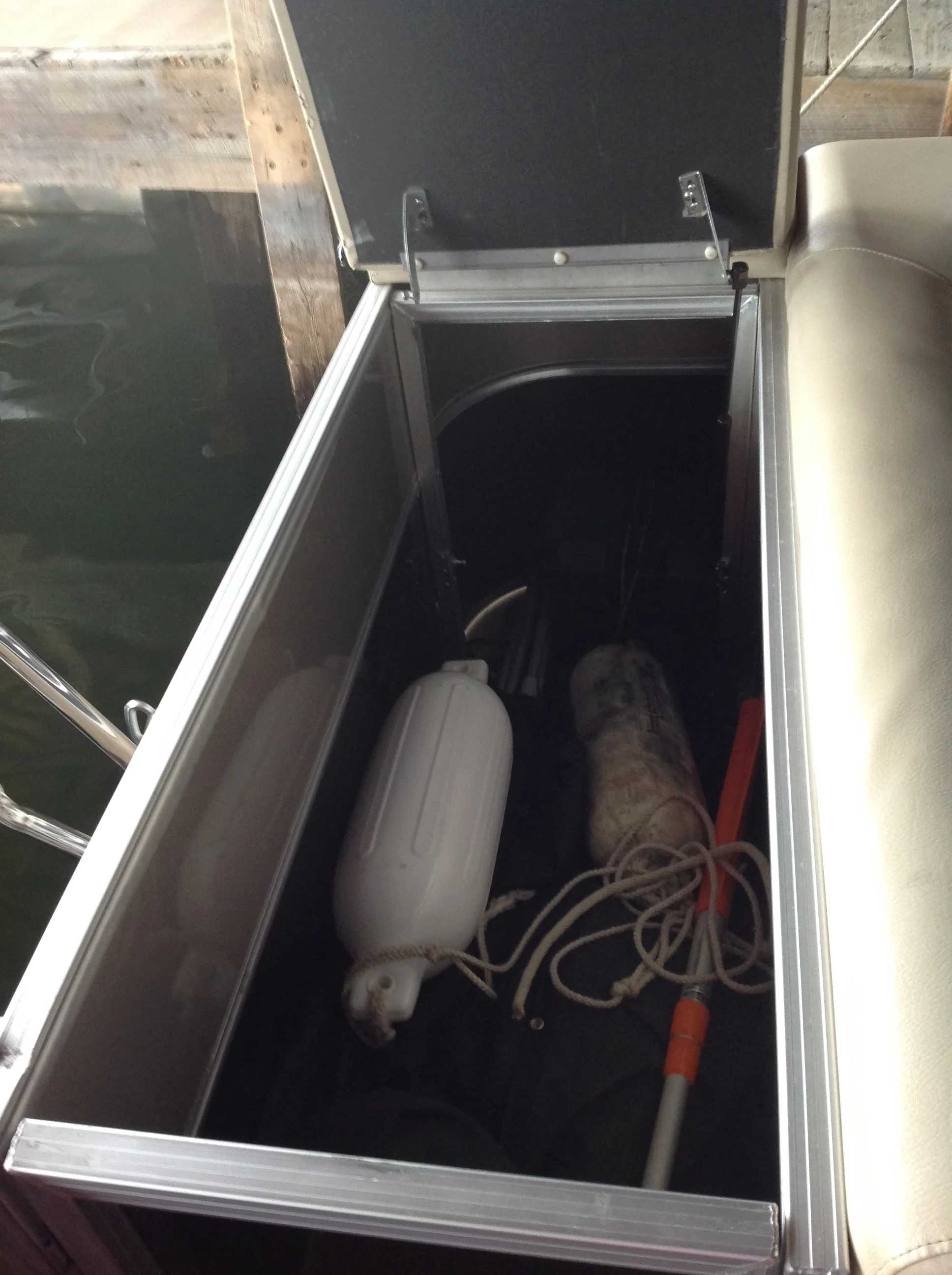 2017 Berkshire Pontoons boat for sale, model of the boat is 24cl Cts 2.75 & Image # 8 of 9