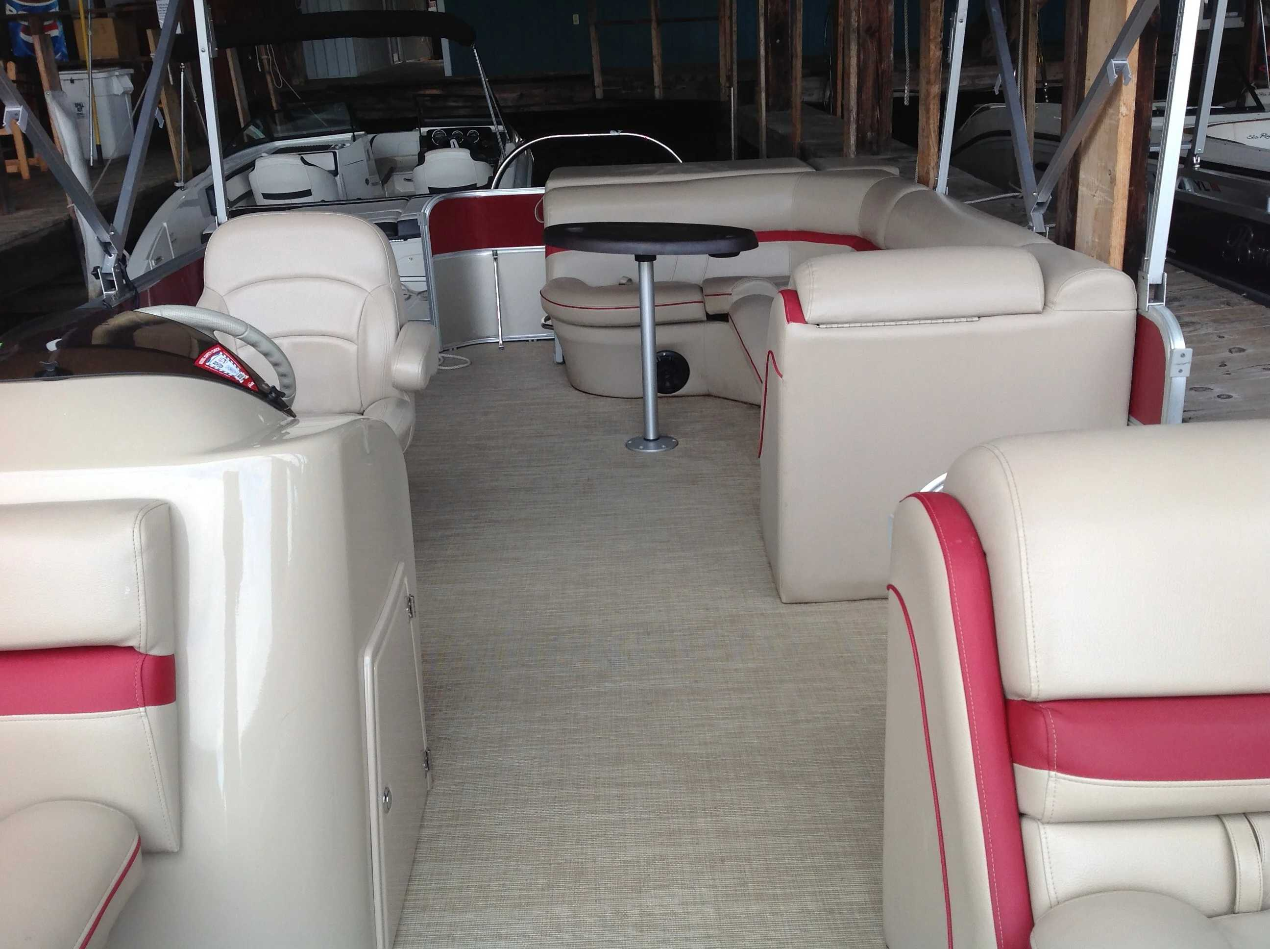 2017 Berkshire Pontoons boat for sale, model of the boat is 24cl Cts 2.75 & Image # 3 of 9