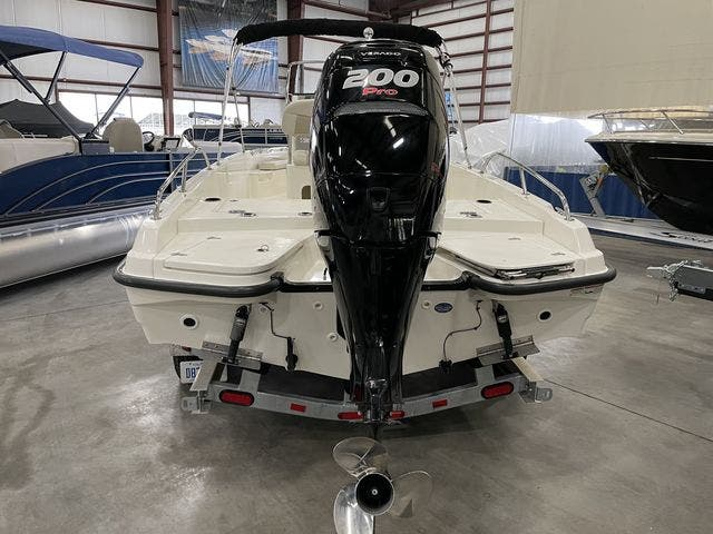 2017 Boston Whaler boat for sale, model of the boat is 210 DAUNTLESS & Image # 14 of 14