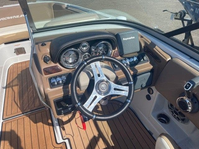 2017 Crownline boat for sale, model of the boat is E1 XS & Image # 3 of 21