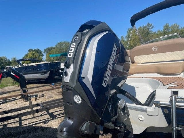 2017 Crownline boat for sale, model of the boat is E1 XS & Image # 10 of 21