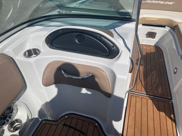 2017 Crownline boat for sale, model of the boat is E1 XS & Image # 15 of 21