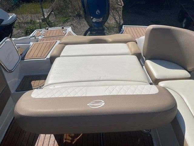 2017 Crownline boat for sale, model of the boat is E1 XS & Image # 17 of 21