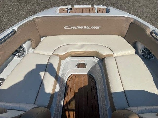 2017 Crownline boat for sale, model of the boat is E1 XS & Image # 19 of 21