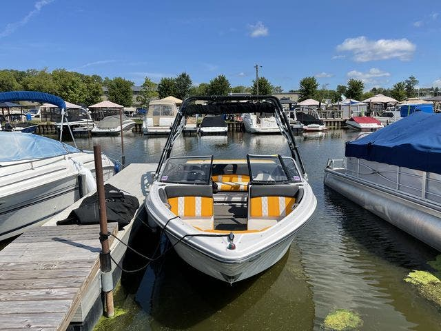 2017 Glastron boat for sale, model of the boat is 205 GTS & Image # 3 of 11