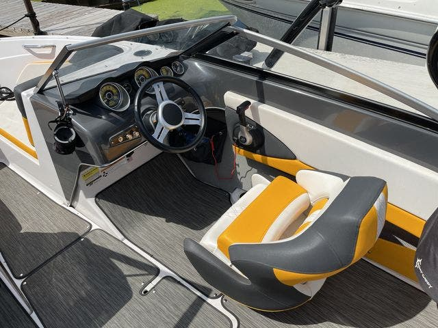 2017 Glastron boat for sale, model of the boat is 205 GTS & Image # 5 of 11