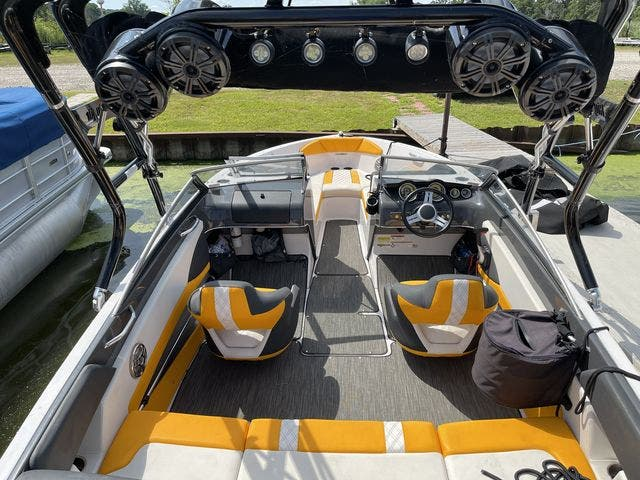 2017 Glastron boat for sale, model of the boat is 205 GTS & Image # 8 of 11
