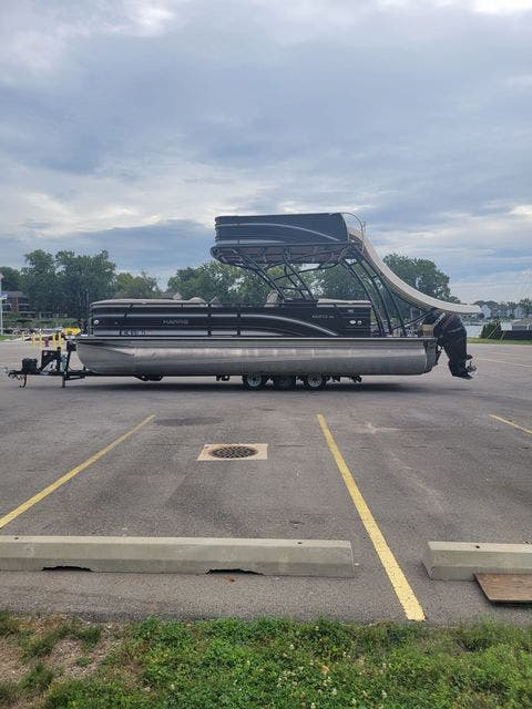 2017 Harris boat for sale, model of the boat is 260 SOLSTICE & Image # 3 of 20