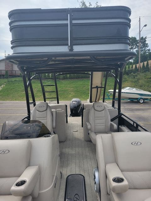 2017 Harris boat for sale, model of the boat is 260 SOLSTICE & Image # 9 of 20