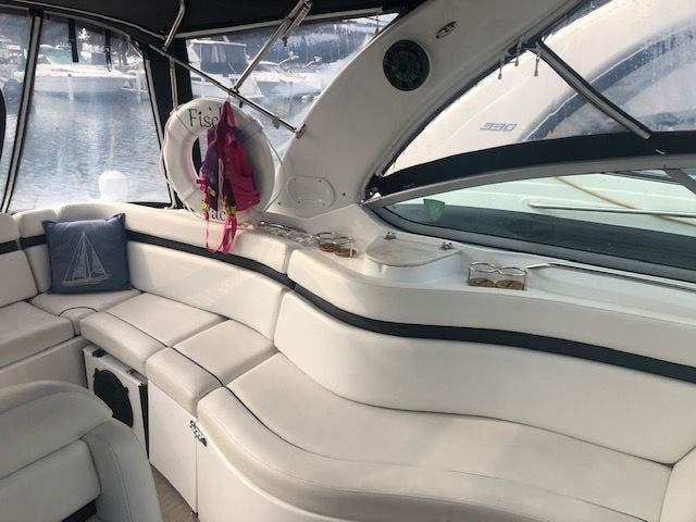 2017 Rinker boat for sale, model of the boat is 320EX & Image # 12 of 49