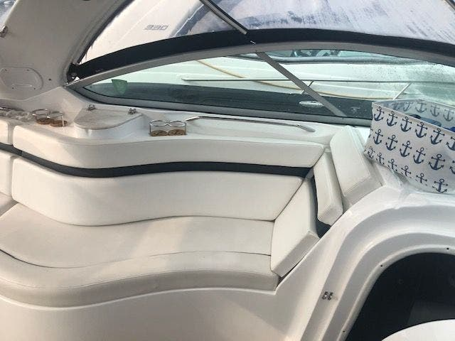 2017 Rinker boat for sale, model of the boat is 320EX & Image # 14 of 49