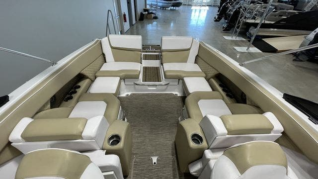 2017 Scarab boat for sale, model of the boat is 255PLATINUMSE & Image # 6 of 10