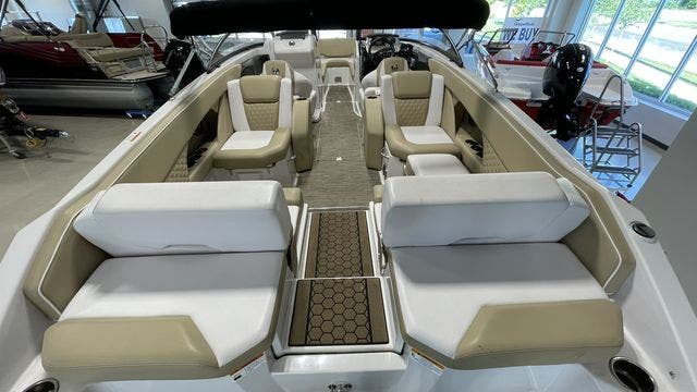 2017 Scarab boat for sale, model of the boat is 255PLATINUMSE & Image # 7 of 10
