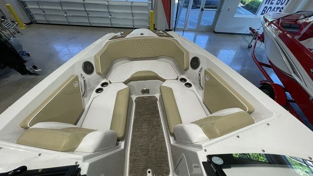 2017 Scarab boat for sale, model of the boat is 255PLATINUMSE & Image # 9 of 10