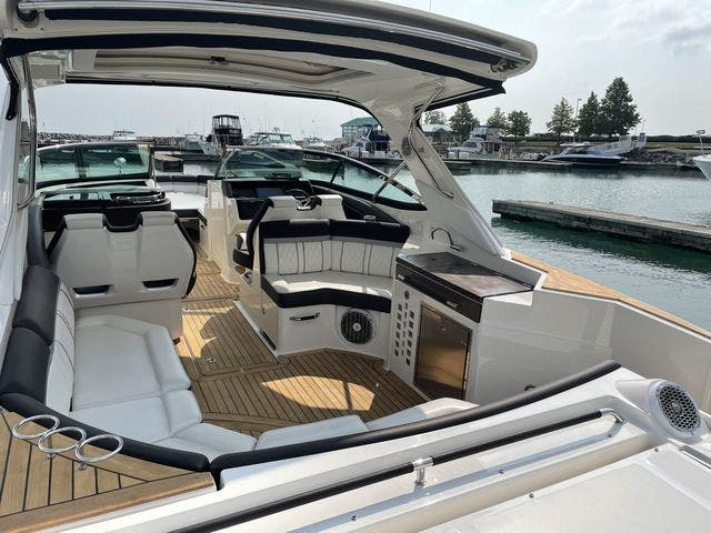 2017 Sea Ray boat for sale, model of the boat is 350 SLX & Image # 6 of 18