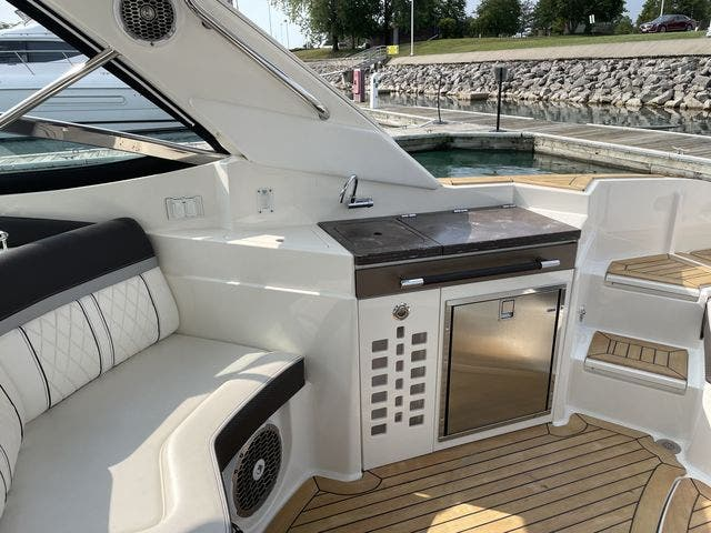 2017 Sea Ray boat for sale, model of the boat is 350 SLX & Image # 7 of 18