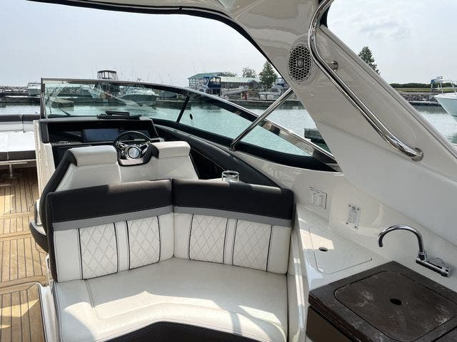 2017 Sea Ray boat for sale, model of the boat is 350 SLX & Image # 8 of 18