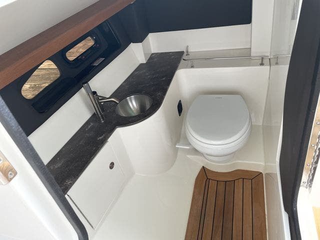 2017 Sea Ray boat for sale, model of the boat is 350 SLX & Image # 11 of 18