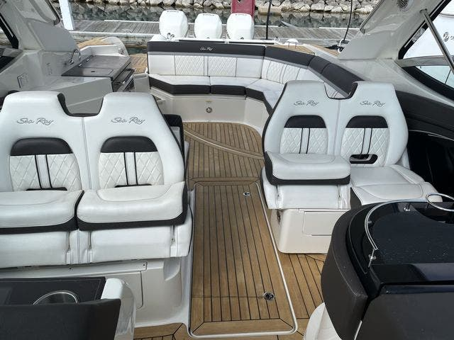 2017 Sea Ray boat for sale, model of the boat is 350 SLX & Image # 13 of 18
