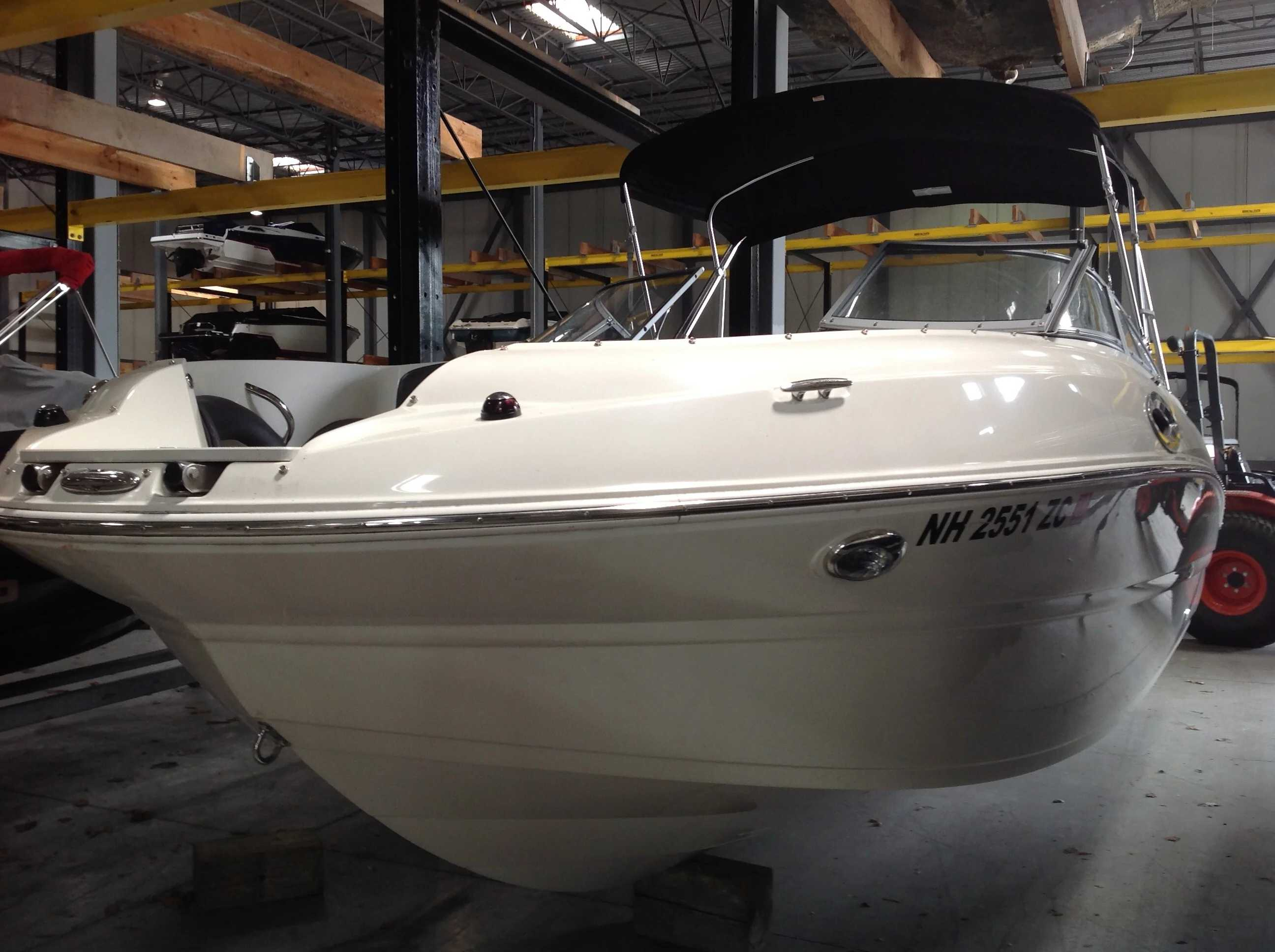 2017 Stingray boat for sale, model of the boat is 214LR & Image # 3 of 15
